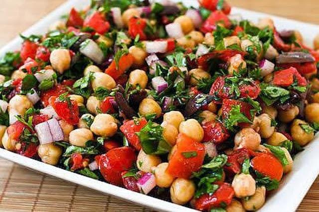 Vitamin Masalı Mevsiminde Bahar Salatalarının Tarifleri