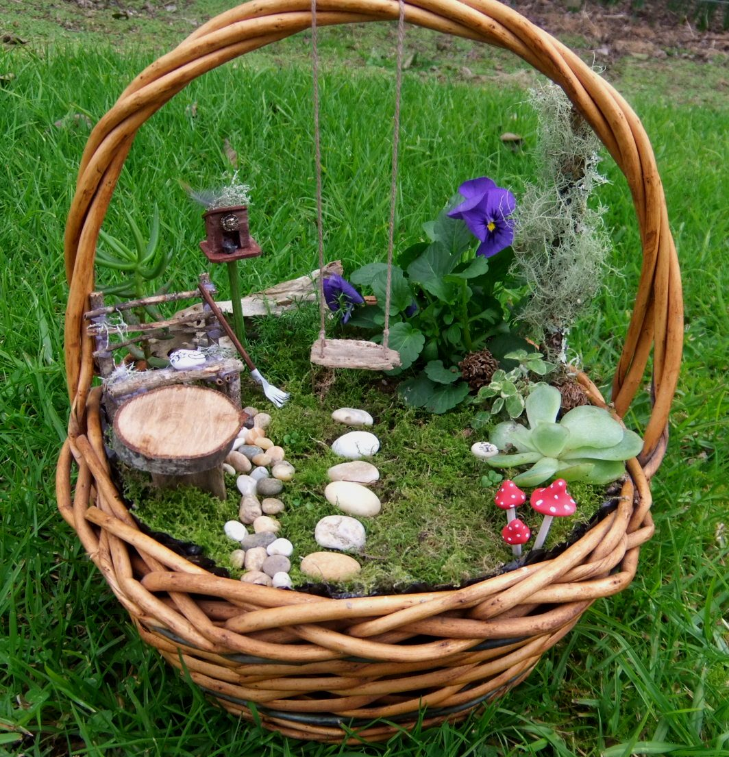 30 Diy Ideas How To Make Fairy Garden: This, That And Everything Inbetween: More Fairy Gardens