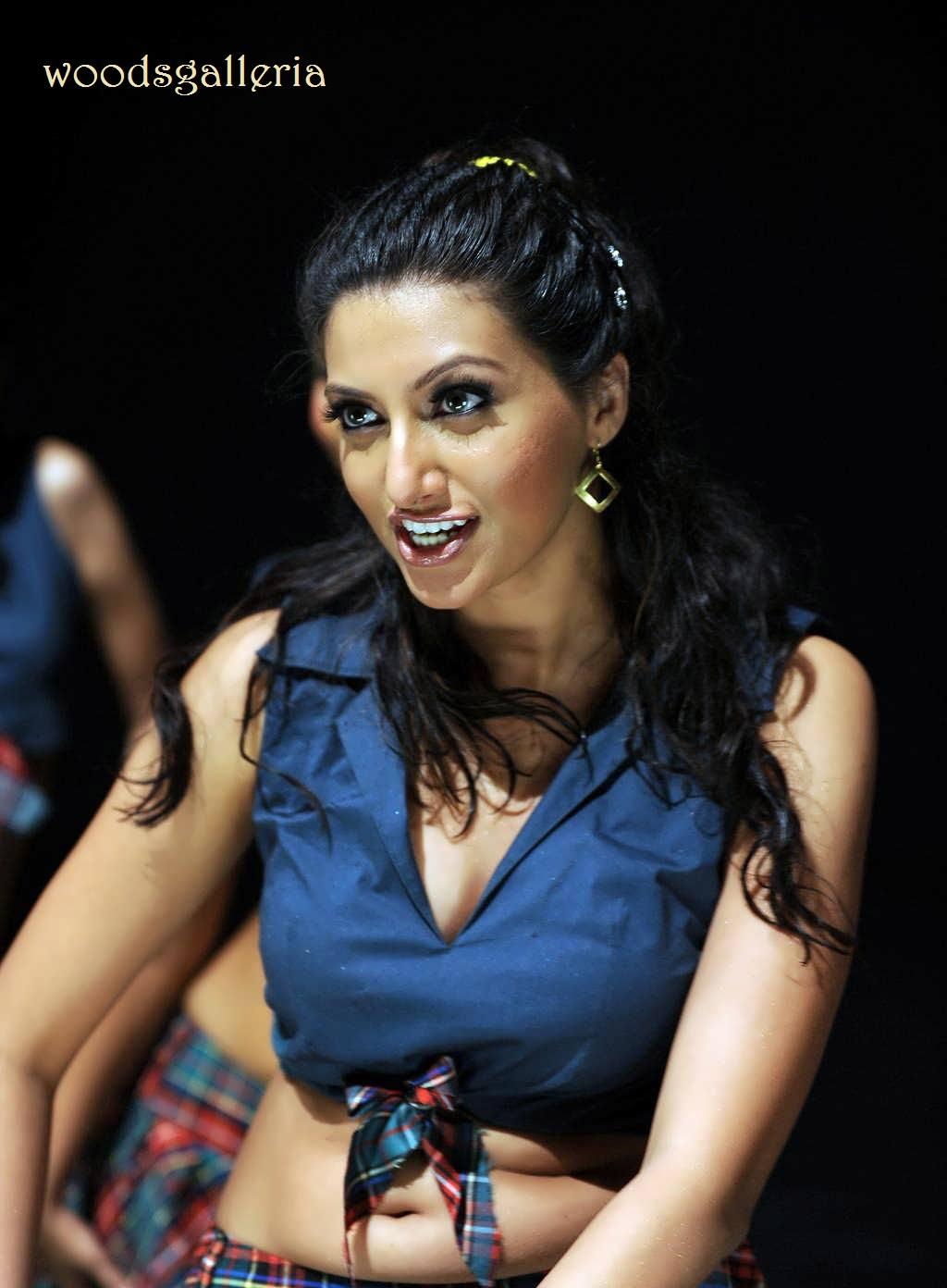 Priyamani Fakes Images Celebritypi