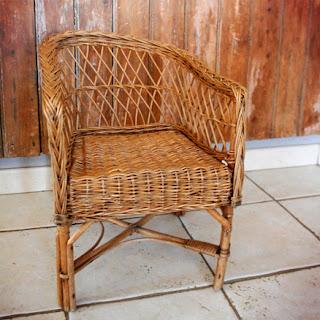 Petit fauteuil d'enfant en osier, années 50/60, travail artisanal. la puce au grenier