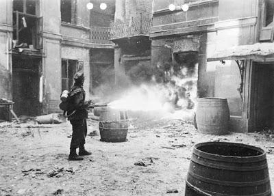 ... Dignidad de un Pueblo: Insurrección en Varsovia 1º de agosto de 1944