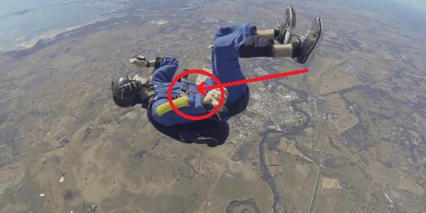 Le salva la vida a 12.000 metros de altura cuando todo estaba perdido