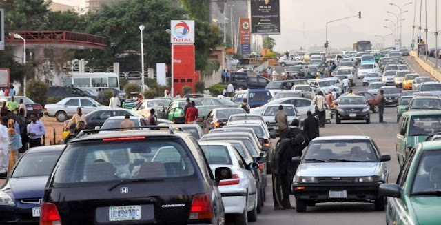 Man Goes Completely Naked Because He Couldn't Buy fuel In Lagos