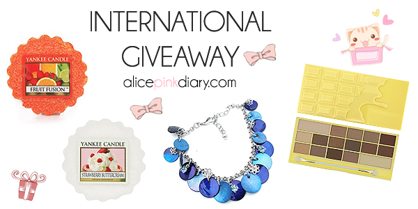 http://www.alicepinkdiary.com/2015/04/alices-pink-diary-giveaway.html