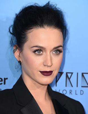 Dark-lipstick-aging