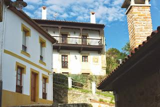 Colunga, Lastres, casona de Pedro Suérperez