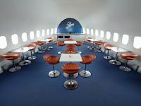 http://4.bp.blogspot.com/-kJjV5cG-828/Tj0KsKAwTJI/AAAAAAAAA4w/uKgT9MW6PTk/s1600/jumbo-hostel-stockholm.jpg