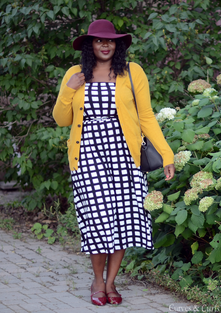 Burgundy and mustard always go together.Plus size fashion for women #Asoscurve dress in check #plussize #fashion #curves #Falloutfits #mycurvesandcurls #Assacisse