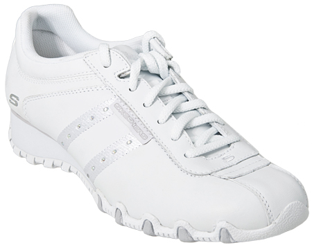 extream fashion skechers white shoes