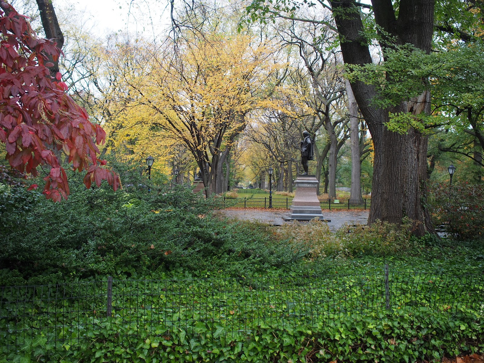 William Shakespeare, #literarywalk #themall #centralpark #nyc #fall #fallfoliage #rainyday 2014