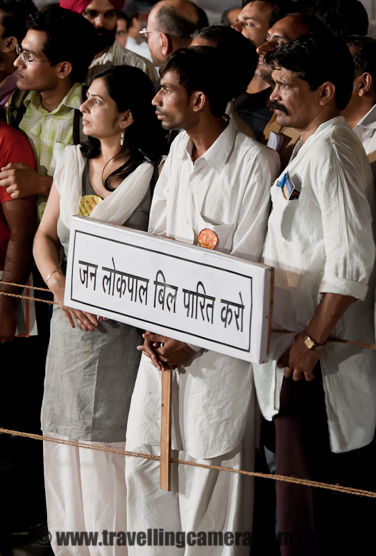 A Mahatma announces fast unto Death demanding enactment of a strong Anti corruption law called