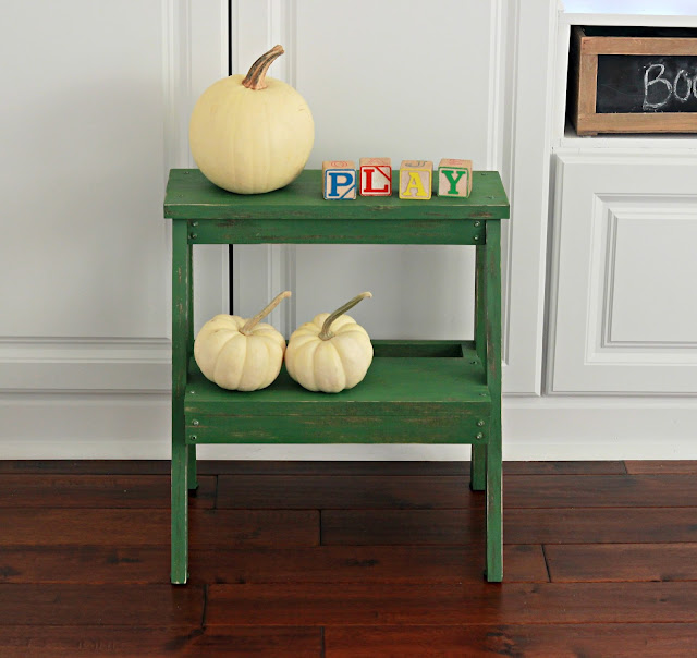 Build a step stool for your kids! Allows them to explore their independence in hand washing and dental hygiene. DIY Step Stool Color | Humming Bird Green by @behr mixed with #bbfrosch chalk paint powder