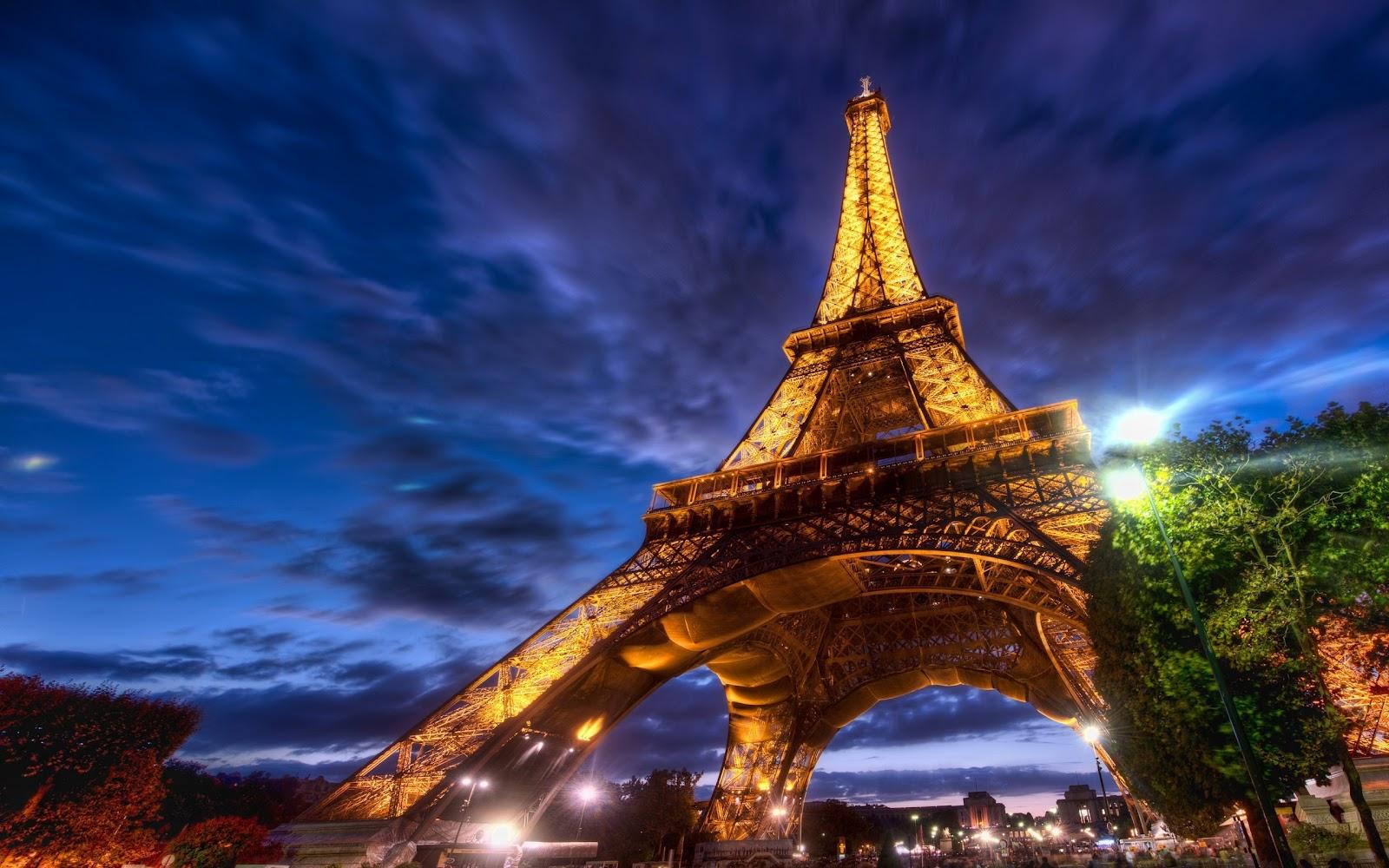 http://4.bp.blogspot.com/-kKXdvA4eZJw/UXg1-Cx0ZkI/AAAAAAAAcEk/uUjN0N5dlr4/s1600/Eiffel-Tower-Paris-Wallpaper-2560x1600.jpg