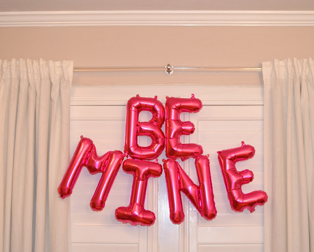 Valentines Day Balloon Banner