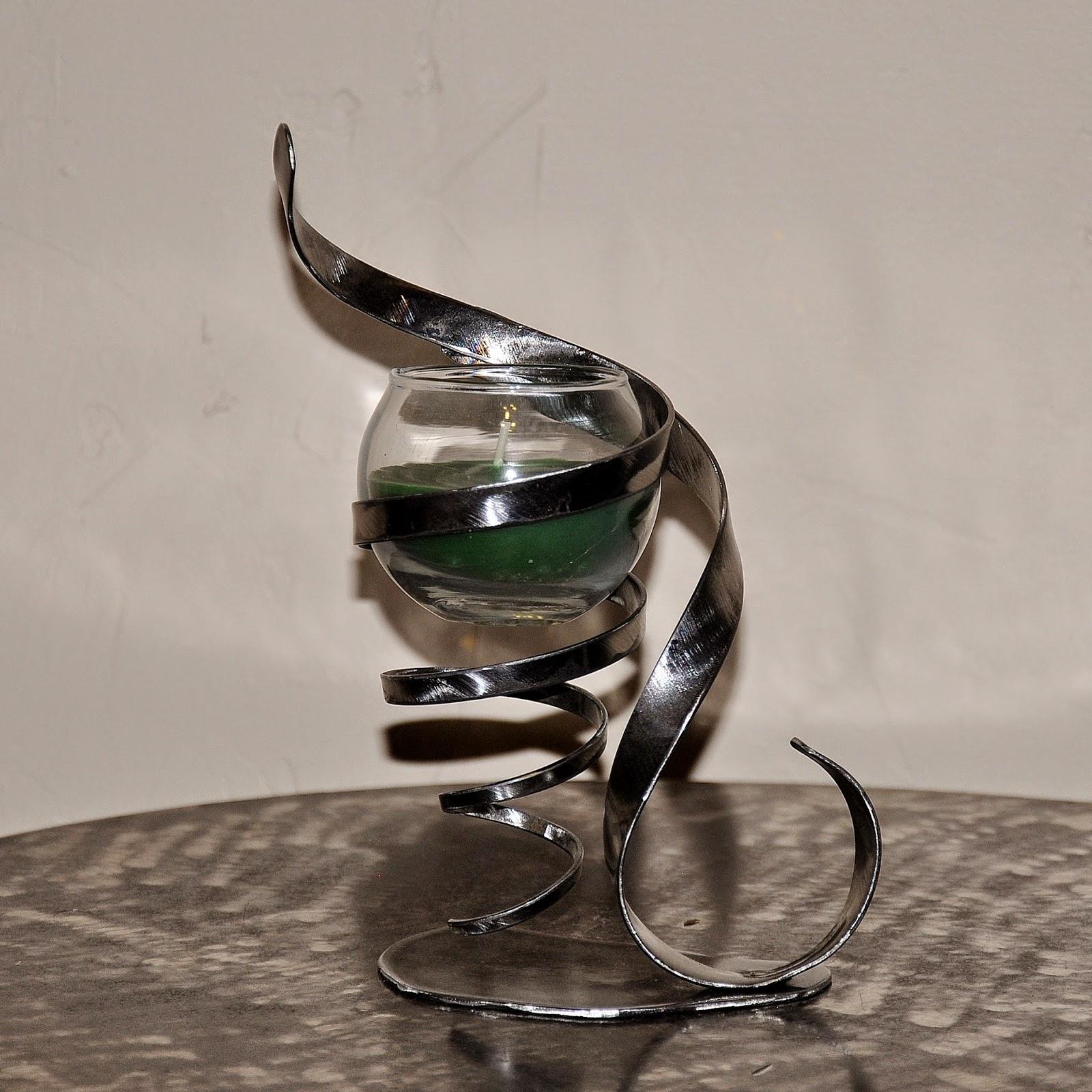 cr ateur d 39 objets d co en fer forg bougeoirs luminaires porte bouteille pour no l je vous. Black Bedroom Furniture Sets. Home Design Ideas