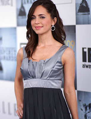 Actress Eliza Dushku Hot Wallpaper
