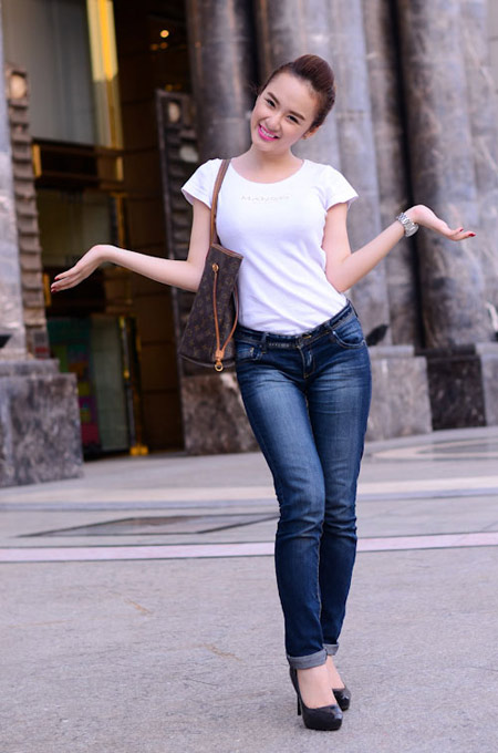 Sexy Girl Viet Nam Angela Phuong Trinh With White