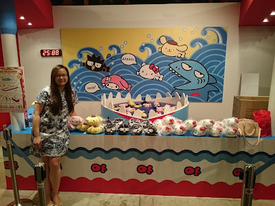Hello Kitty Go Around Singapore - Gold Fish Saviour