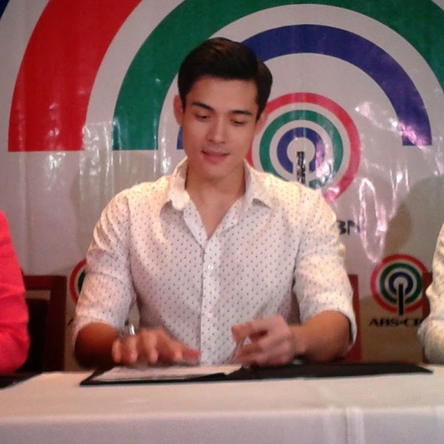 Xian Lim renews contract with ABS-CBN