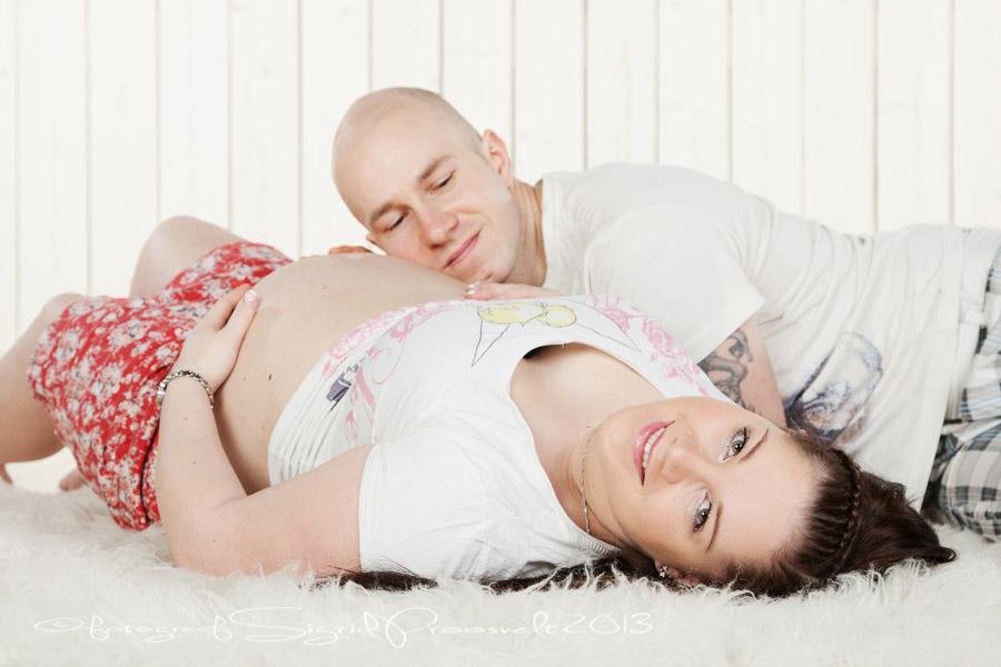 lapseootel-pikali-mees-naine-beebiootus