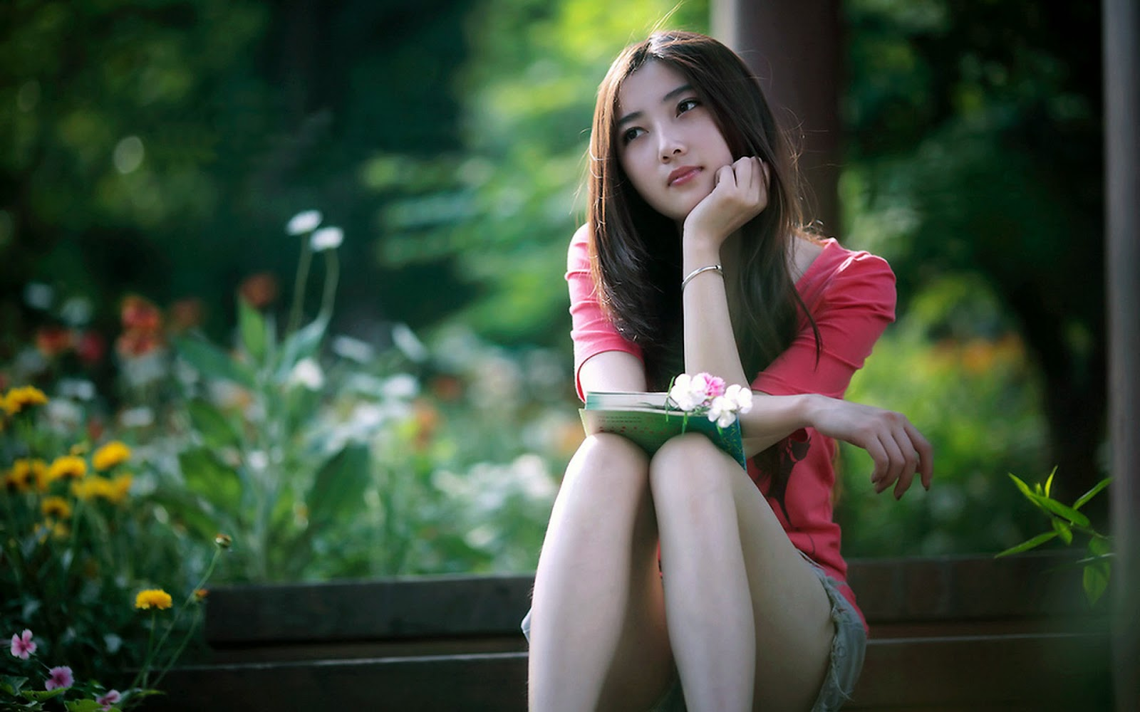 thun asian personals Asian friendly is the best free asian dating site that enables you to browse profiles, send messages, chat and date in asia.