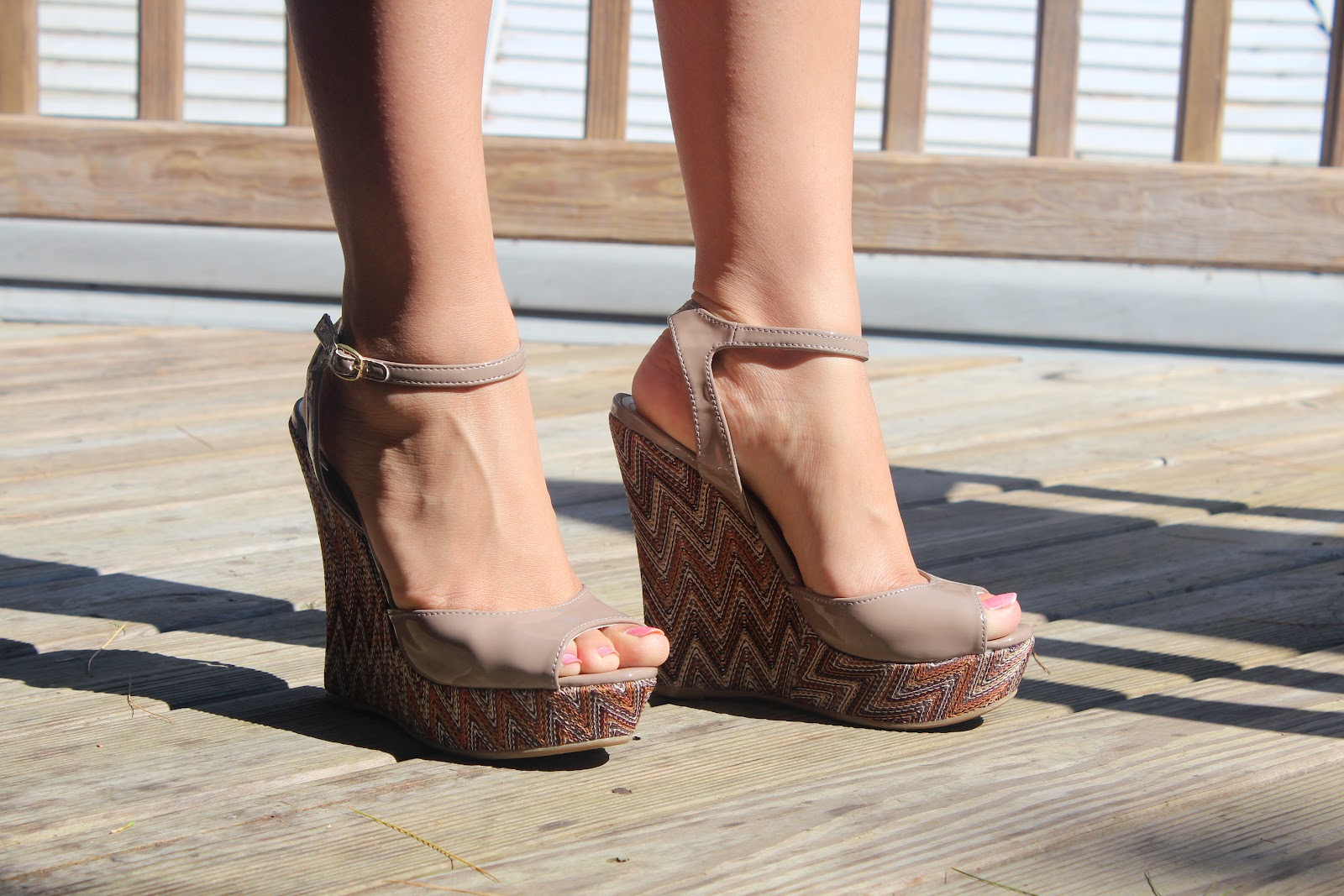 Cute Summer Wedges I love how these wedges can be