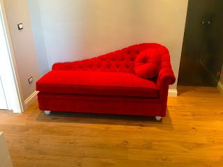 Divani blog tino mariani una mini chaise longue chester - Copridivano chaise longue su misura ...