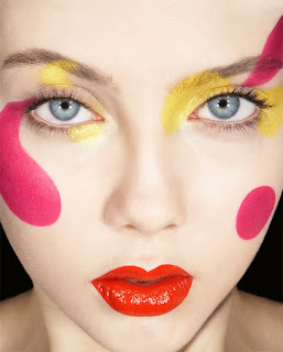 polka dot makeup, graphic makeup
