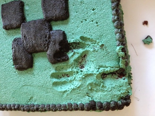 cake fail, cake wreck, minecraft cake fail, minecraft cake wreck, creeper cake, mine craft cake, minecraft birthday, tween boy birthday cake, little brother problems
