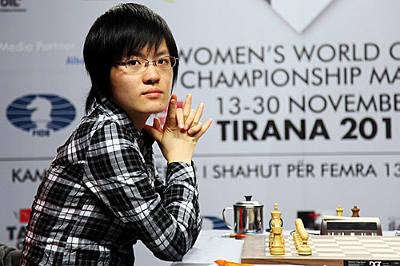 La jeune joueuse Hou Yifan, ex-championne du monde d'échecs, a battu Yu Yangyi de très belle manière dans une partie d'attaque modèle