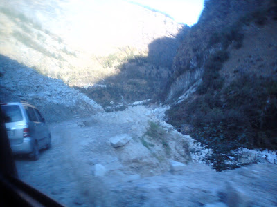 Narrow roads after the Joshimath gate system enroute to Badrinath
