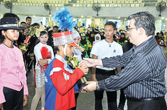 YP Sultan Agung Siantar Juara Marching Band