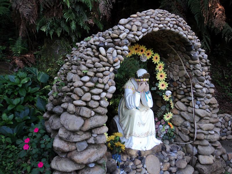 gruta de pedra para jardim : gruta de pedra para jardim:VIDA NO CAMPO VIDA FELIZ: GRUTA DE NOSSA SENHORA DA SALETE