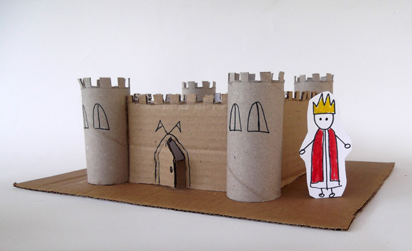 castle, paper castle, cardboard castle, diy castle, how to male a paper castle, castle for kids, toilet paper roll castle, craft castle