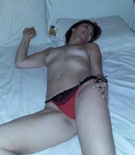 青少年的裸体女孩 - rs-1886-746621.jpg