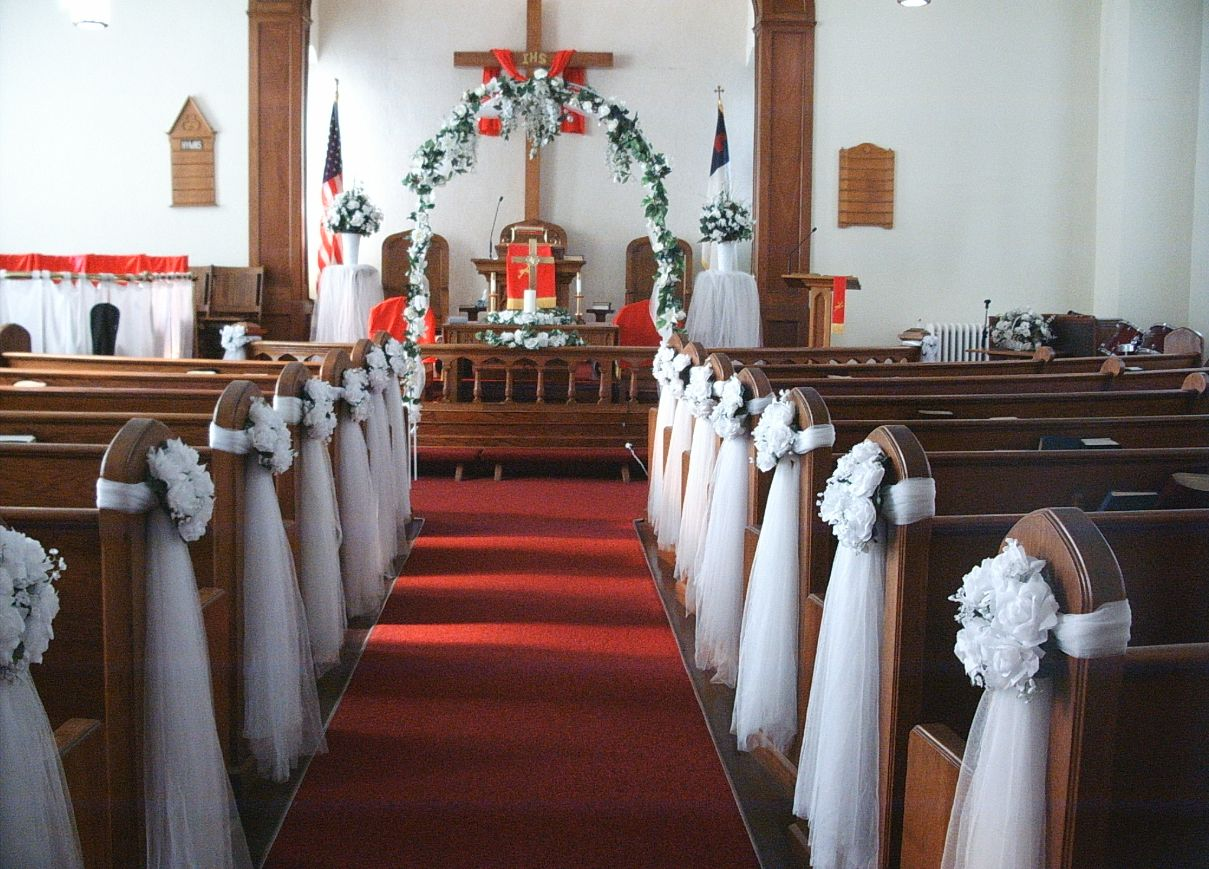 Church wedding aisle decorations living room interior for Aisle wedding decoration ideas