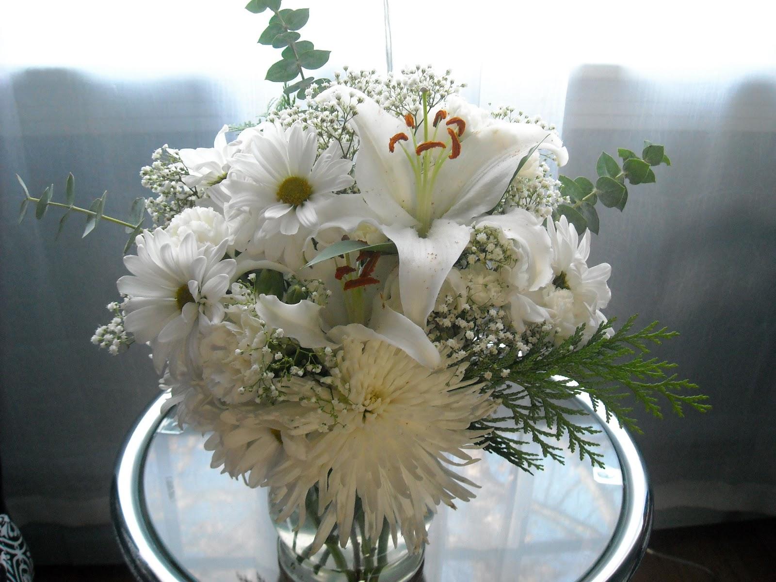 The Creative Grapevine Winter White Flower Arrangement