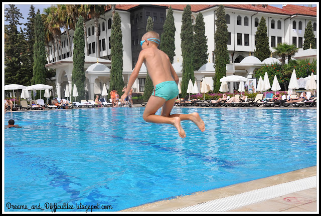 where to stay in Antalya with children