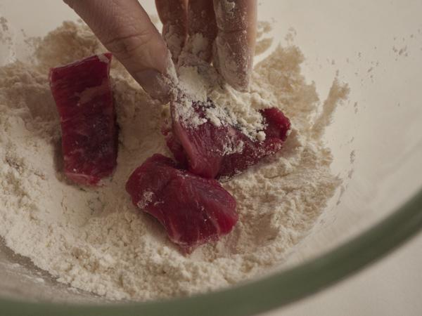 Dredging stew meat in flour