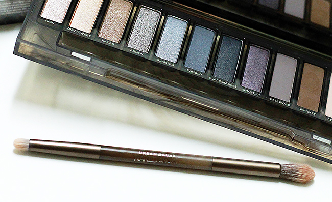 Urban Decay Naked Smoky Palette Brush