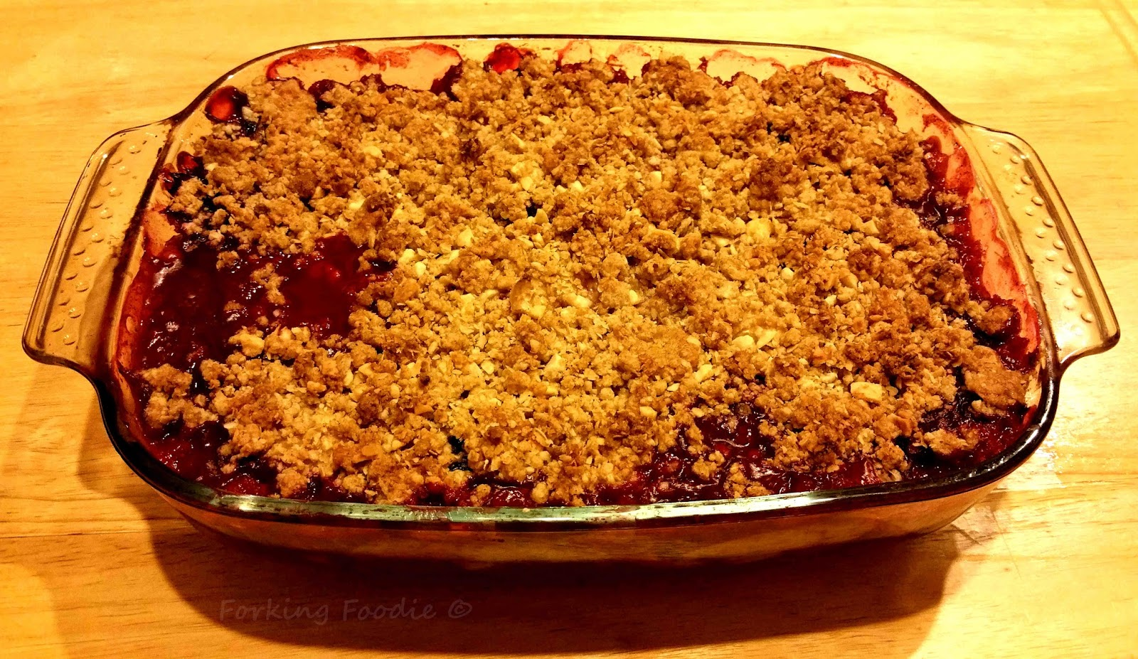 forking foodie apple and blackberry flapjack crumble with custard includes thermomix method. Black Bedroom Furniture Sets. Home Design Ideas