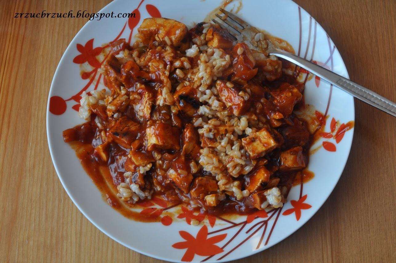 kurczak z ryżem pełnoziarnistym