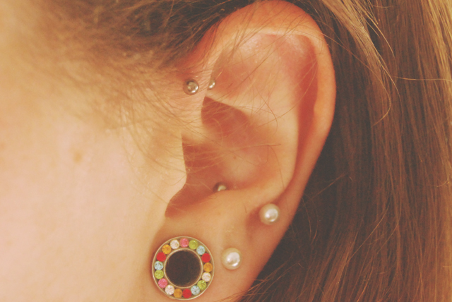 becky bedbug my forward helix piercing one month on. Black Bedroom Furniture Sets. Home Design Ideas