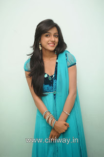 Vithika-Sheru-Stills-at-Minugurulu-Musical-Night-Event