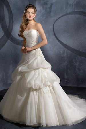 DressyBridal: Must-Have Traditional Ball Gown Wedding Dresses