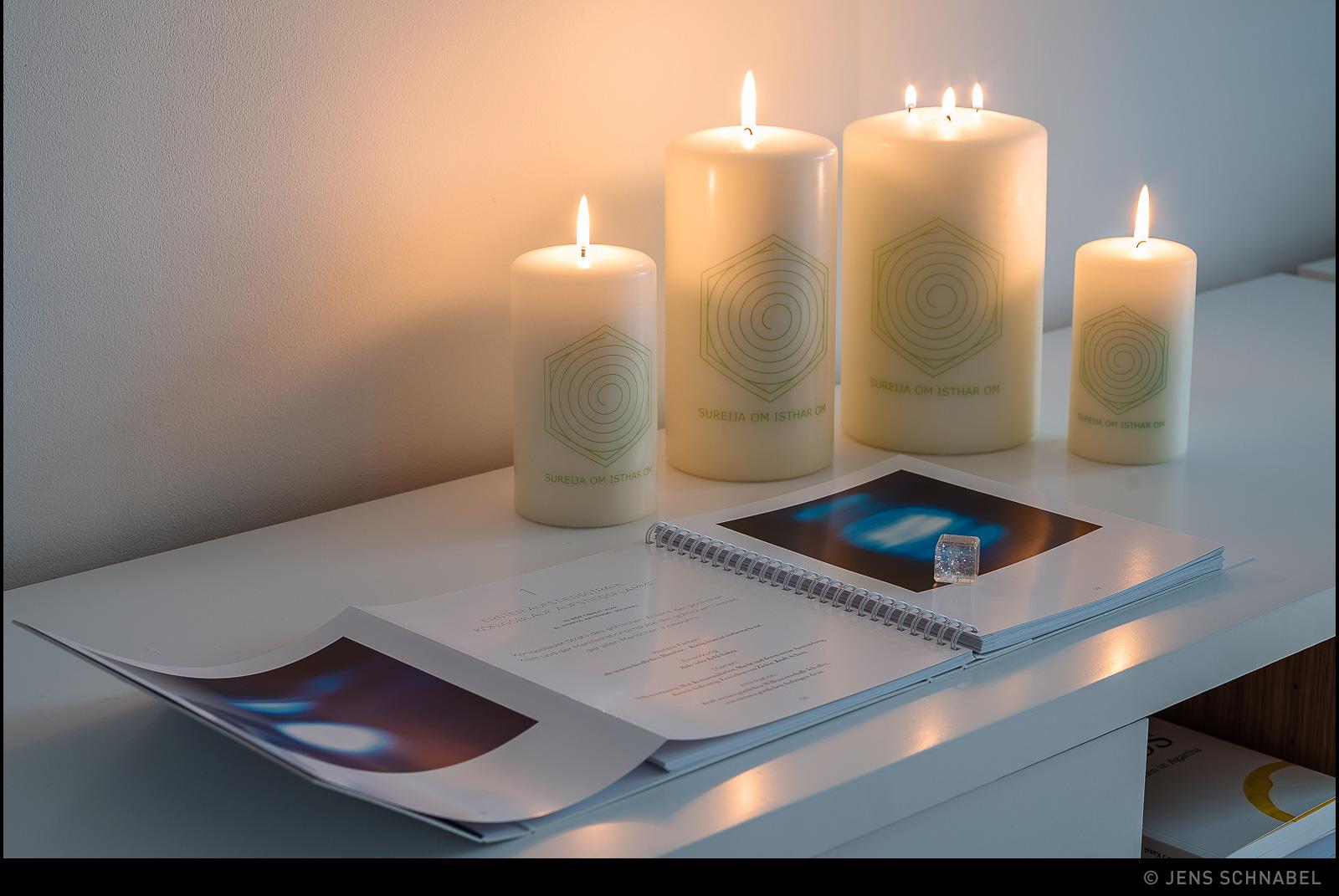 licht der welt; kristallwürfel des aufstiegs mit bildband als arbeitsbuch