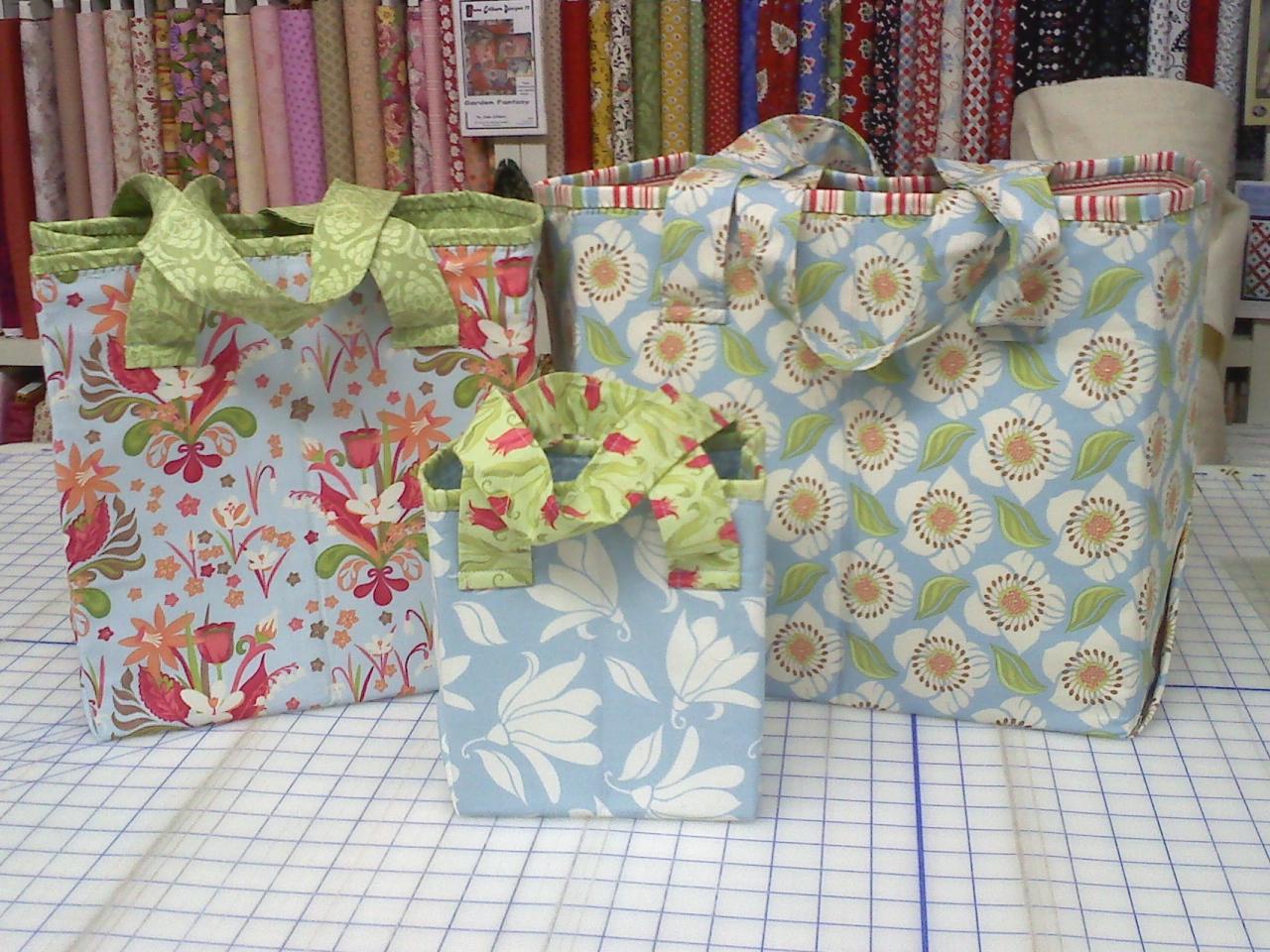 Atkinson Designs Stand N Stow : Creative sewing machines brag board groovy girls club