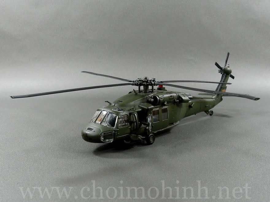 U.S. UH-60 Black Hawk 1:72 Forces of Valor