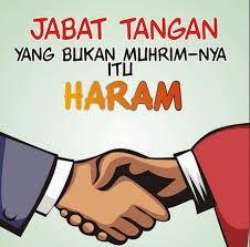 hukum berjabat tangan dengan wanita yang bukan mahram