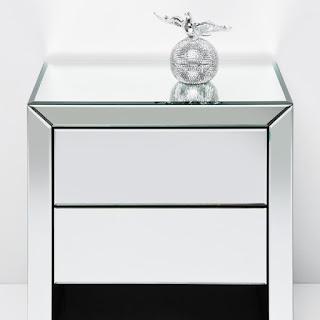 Celebrity homes martin margiela paris la maison champs for Kare design tisch bijou steel